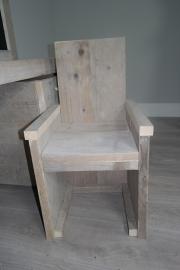 stoeltje gebruikt steigerhout