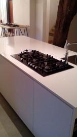 gespoten keuken strak modern