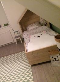 huisjes bed steigerhout 350euro