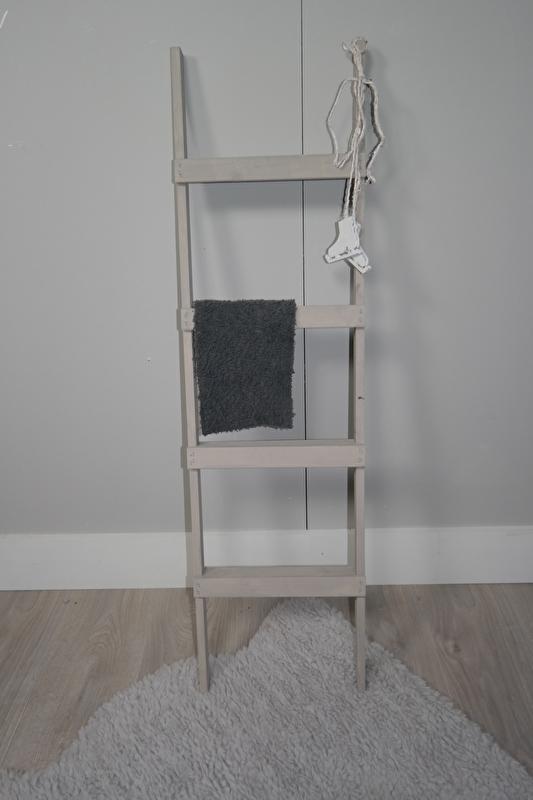 Decoratie trapje 110x30 zand