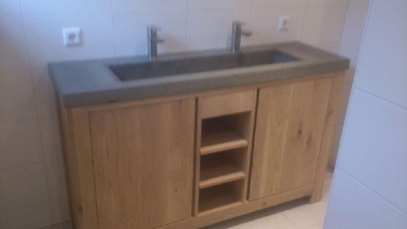 eiken badmeubel inclusief betonnen speolbak 120x45
