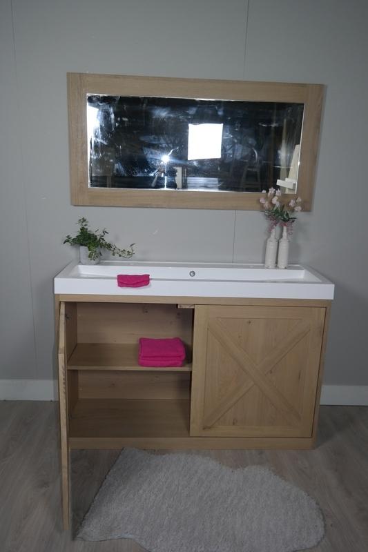 Eiken bad meubel met landelijke uitstraling