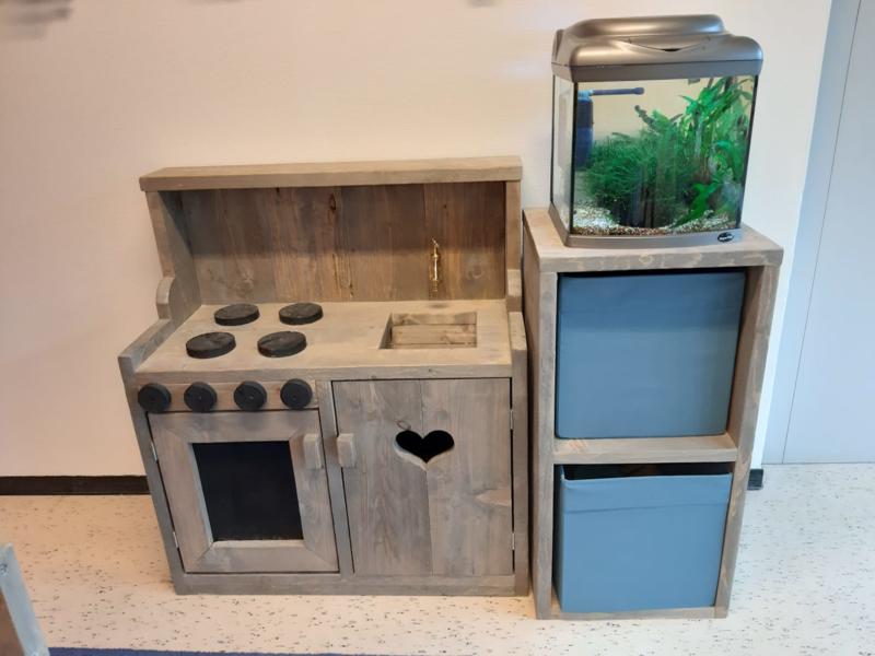 keukentje met kastje