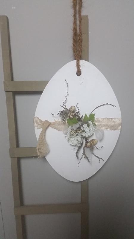 hangend paasei wit exclusief decoratie