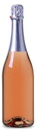 Flessen wijn met eigen etiket