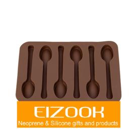 Lepeltjes vorm ijs chocolade
