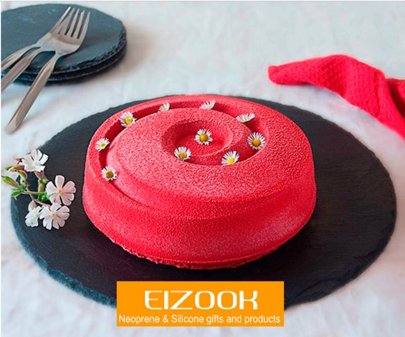 Spiral cake mold