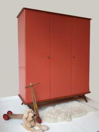 Vintage – driedeurs kledingkast Kus – 54 - restyle