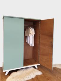 Vintage – tweedeurs kledingkast / Celadoon –38 - restyle