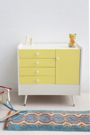 Vintage – sixties commode 11 – zachtgeel – restyle