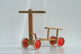 Vintage loopfietsje van hout – sixties speelgoed voor peuter/kleuter