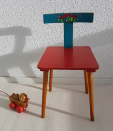 Peuter stoeltje – hout – rood+blauw  2