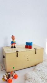 Vintage houten speelgoedkist – 03