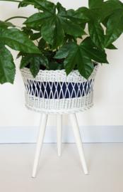 Plantenkorf / naaimand op hoge poten - 02 – vintage