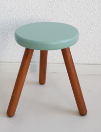 Peuter krukje – hout celadoon 1 - vintage