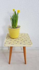 Plantentafeltje pastel geel 02 - vintage