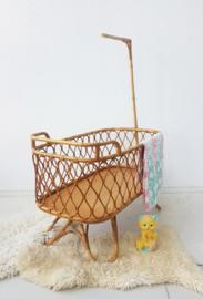 Vintage rotan wieg met rotan onderstel - 10