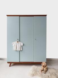 Vintage – driedeurs kledingkast Wolk – 53 - restyle