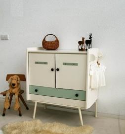 Vintage commode met ijzeren onderstel -3- restyle