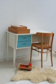 Elegant houten bureau van Deense makelij - restyle – vintage