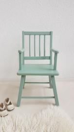 Vintage stoel voor peuter – hout – Celadoon – restyle