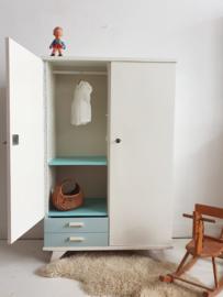 Vintage – tweedeurs babykamer kast Wolk – 60 - restyle