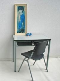 Schoolset tafel en stoel voor kind - retro