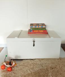 Vintage speelgoedkist / dekenkist – 07