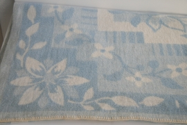 100% wollen deken – pastel blauw en roomwit – vintage