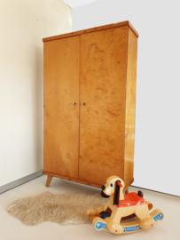 Vintage – tweedeurs kledingkast / speelgoedkast naturel - nr 41 - restyle
