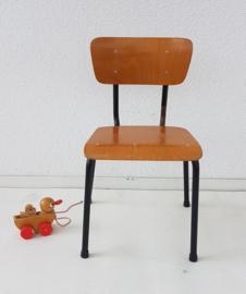 Peuter school stoeltje – gelakt hout 1 - vintage