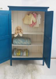 Petrol blauw kledingkastje – geleefd oud – restyle