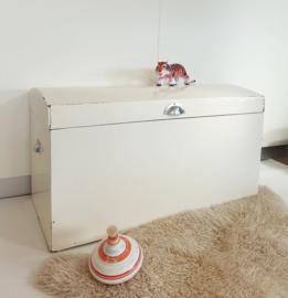 Vintage speelgoedkist / dekenkist – 09