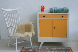 Vintage – fifties - okergeel  - commode – restyle