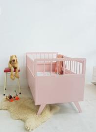Vintage houten baby ledikantje 10 – Blos – restyle