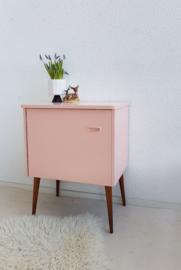 Hal / nachtkastje – 11 - Blos - vintage restyle