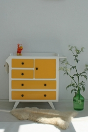 Vintage – fifties okergeel - commode – restyle