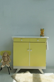 Vintage – sixties zachtgeel- commode – restyle