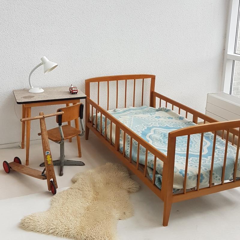 Onwijs Vintage houten peuterbedje 2 – gelakt hout | slapen - verkocht PJ-89