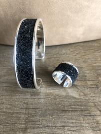 Ring koker zwart met swarovski kristallen