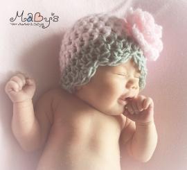 Gehaakt babymutsje roze & grijs - Bloem 10 cm roze