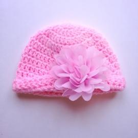 Gehaakte baby muts Maby's - Roze met roze chiffonbloem