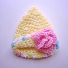 Gehaakte muts meisje Maby's - Geel met kleurenmix en roze bloem