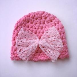 Gehaakte baby muts meisje - Roze met lichtroze kanten strik
