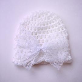 Gehaakte baby muts meisjes (newborn) - Wit met kanten witte strik