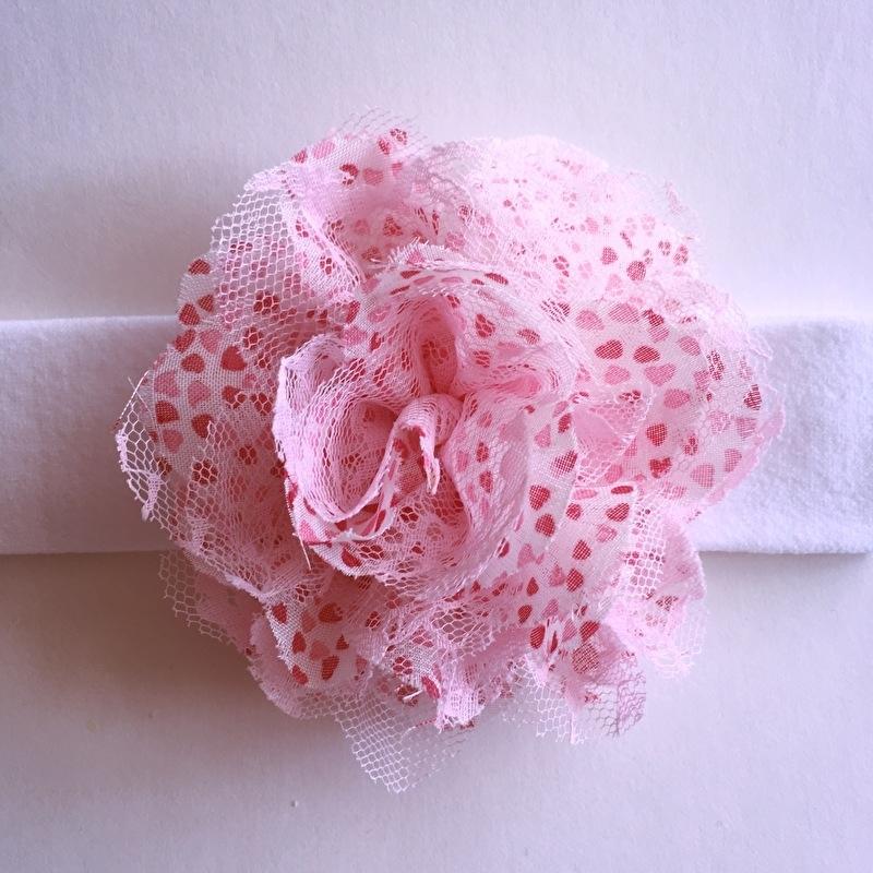 Haarbandje baby meisje stof - Wit met bloem (10cm) roze hartjesmotief
