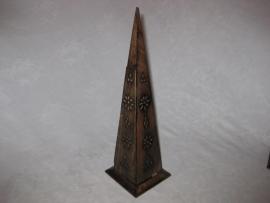 Staande Wierookhouder, Lange Piramide