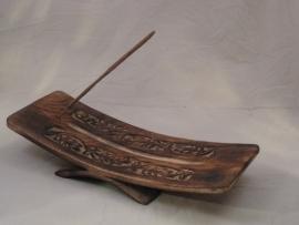Wierookhouder, Gebogen schaal op gebogen voet,  voor 1 wierookstokje