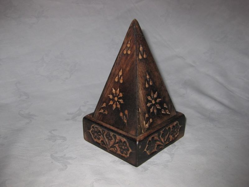 Wierookhouder voor Kegeltjes, Piramide