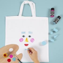 Knutseltip: Hoe versier je een katoenen tas met textielverf en stempels